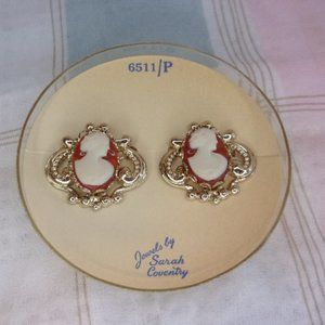 Sarah Coventry Cameo Scatter Pin Set 6511/P 1950s Era In Box